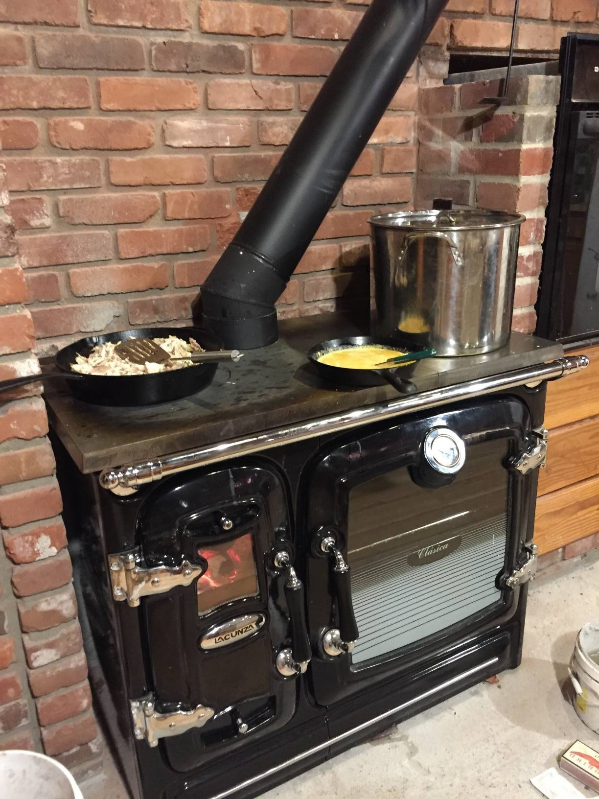 Clasica Cast Iron Wood Cook Stove By Lacunza